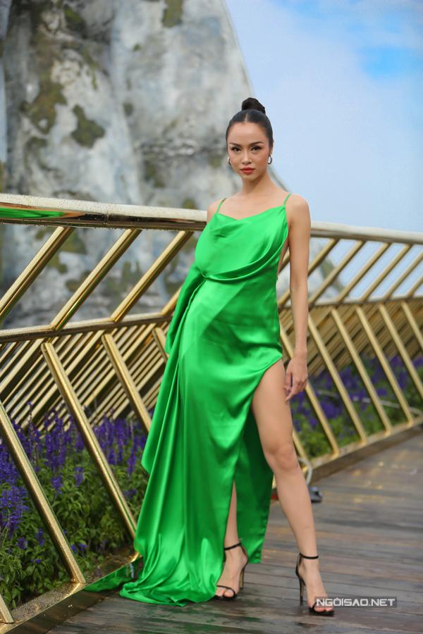 HHen Niê diện váy xẻ cao nổi bật bên dàn người đẹp - 8