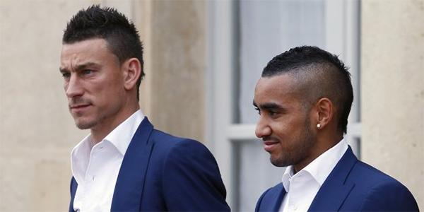 Koscielny và Payet sẽ có mặt tại sân Luzhniki để cổ vũ cho tuyển Pháp trong trận chung kết với Croatia. Ảnh: Chesnot.