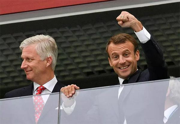 Tổng thốngEmmanuelMacron cổ vũ tuyển Pháp ở World Cup 2018. Ảnh: AP.