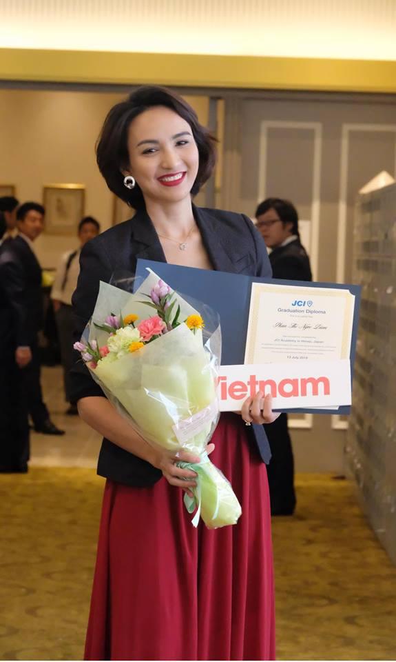 Ngọc Diễm đang có chuyến công tác tại Nhật. Từ 6 - 18/8, cô tham gia các hoạt động chính thức của Junior Chamber International  JCI.
