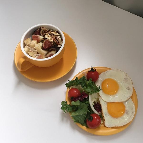 Để cải thiện vóc dáng, Suji đã thay đổi chế độ ăn. Cô từ bỏ thức ăn nhanh, gà rán hay các món burger khoái khẩu. Thay vào đó, cô tự nấu ăn ở nhà.