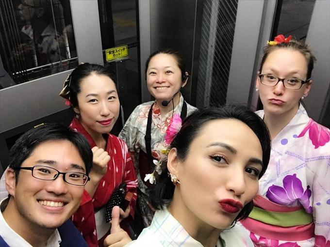 Hoa hậu Du lịch Việt Nam 2008 xem đợt công tác tại Nhật Bản là cơ hội học hỏi nhiều kinh nghiệm lãnh đạo từ những doanh nhân trẻ trên toàn thế giới.