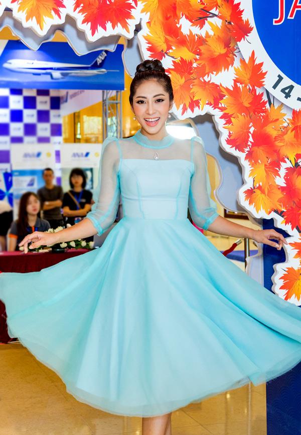 Hoa hậu Đại dương Đặng Thu Thảo tranh thủ chạy show sự kiện trước khi lên xe hoa, theo chồng về An Giang sống.