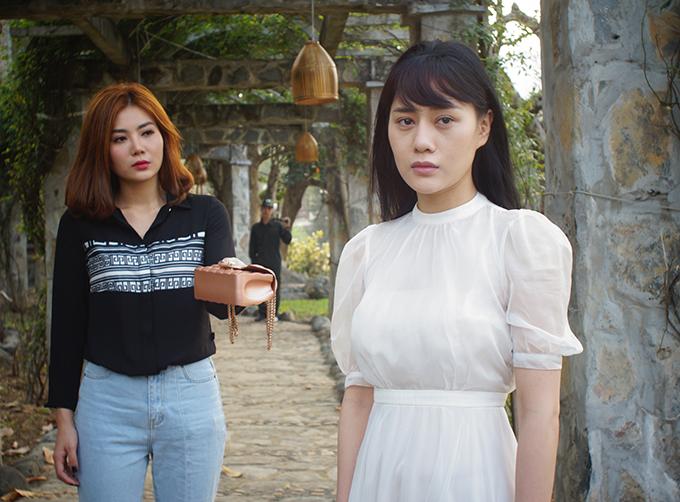 Phương Oanh và Thanh Hương trong phim Quỳnh búp bê.