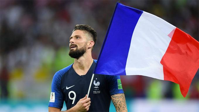 Giroud không ghi bàn thắng nào nhưng anh cũng có nhiều đóng góp cho chức vô địch của Pháp. Tiền đạo Chelsea đá chính trong tất cả trận đấu của Les Bleus.