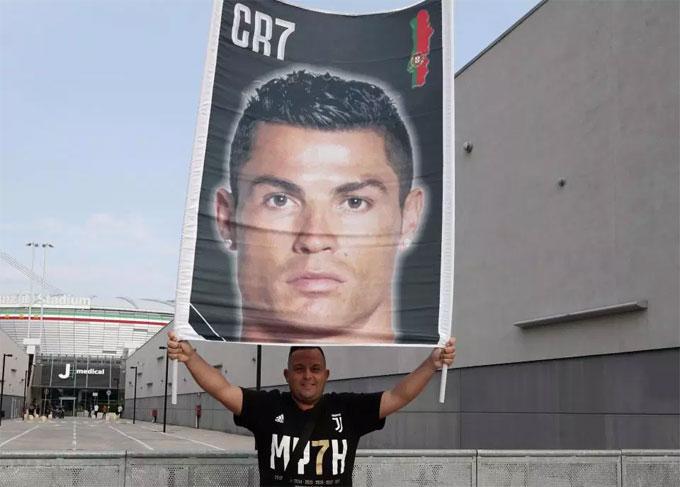 Cơn sốt C. Ronaldo lập tức xuất hiện ở Italy dù World Cup kết thúc với trận chung kết Croatia và Pháp.