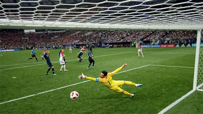 Trong trận này, Lloris cũng chỉ một lần bó tay trước cú sút hiểm hóc của Perisic gỡ hòa 1-1 cho Croatia.