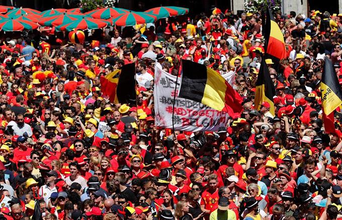 Các CĐV Bỉrất hài lòng và tự hào về màn trình diễn của đội nhà.