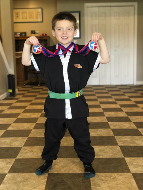 Emmett còn có ước mơ trở thành huấn luyện viên karate.