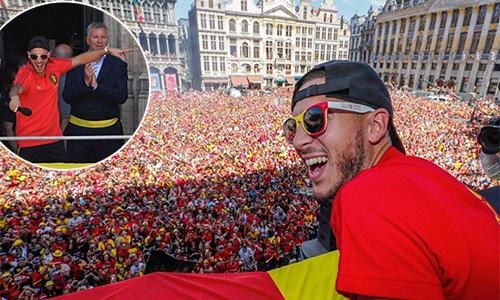 Hazard lĩnh xướng biển người ăn mừng thành công của tuyển Bỉ ở World Cup