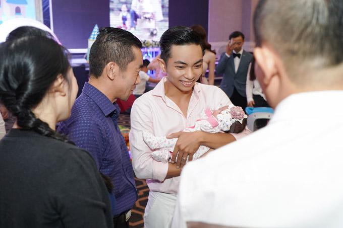 Nàng công chúa cũnglà bản sao của Phan Hiển bởi thừa hưởng nhiều nét giống bố và anh trai Kubi.