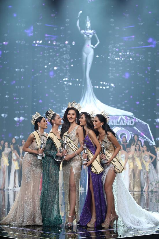 Với chiến thắng này, Namoey Chanapan sẽ đại diện cho các nhan sắc Thái tham gia cuộc thi Miss Grand International tổ chức tại Myanmar vào tháng 10 tới.