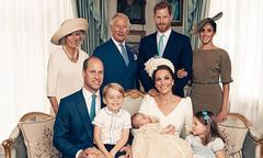Hoàng gia Anh công bố ảnh lễ rửa tội của Hoàng tử Louis