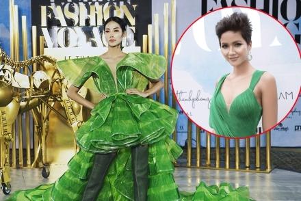 H'Hen Niê hò reo cổ vũ Hoàng Thùy diễn catwalk