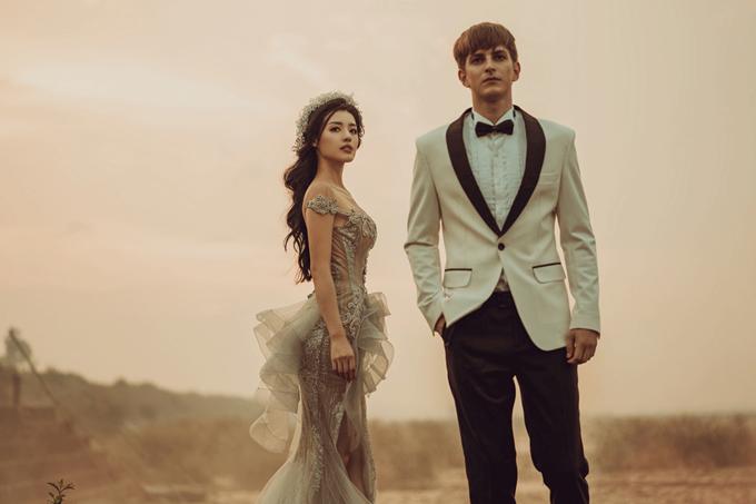 Khánh Linh The Face lộng lẫy với váy cưới ren đắp nổi - 7