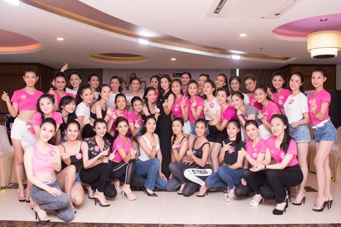 Đỗ Mỹ Linh thị phạm catwalk cho thí sinh Hoa hậu VN - 8