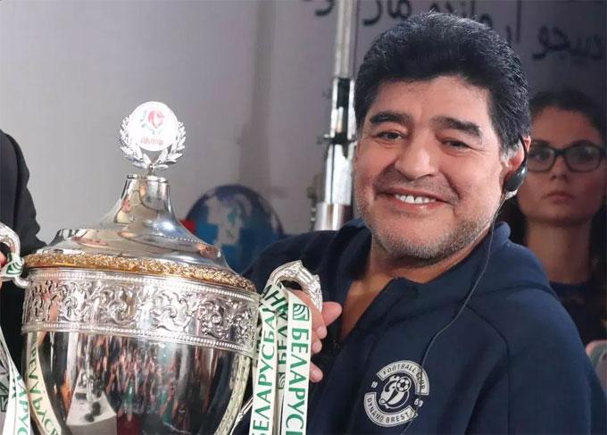 Trước đó, Maradona từng có hai năm làm HLV tuyển Argentina nhưng đội cũng không có kết quả tốt ở World Cup 2010.