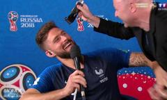 Giroud bị ép cắt tóc sau khi tuyển Pháp vô địch World Cup