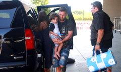Messi 'trốn kỹ', vi vu nghỉ mát với vợ con ngay khi bị loại khỏi World Cup