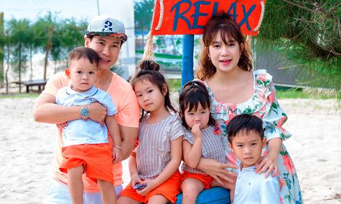 Gia đình Lý Hải đi du lịch, mừng sinh nhật con trai út