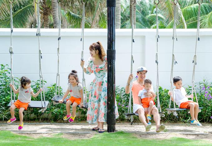 Cả gia đình tận hưởng những ngày thư giãn vui vẻ tại khu du lịch Mũi Kê Gà, Bình Thuận.