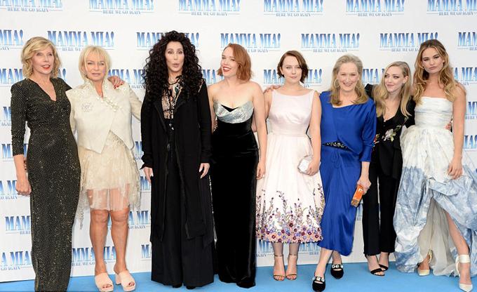 Các sao nữ của bộ phim.