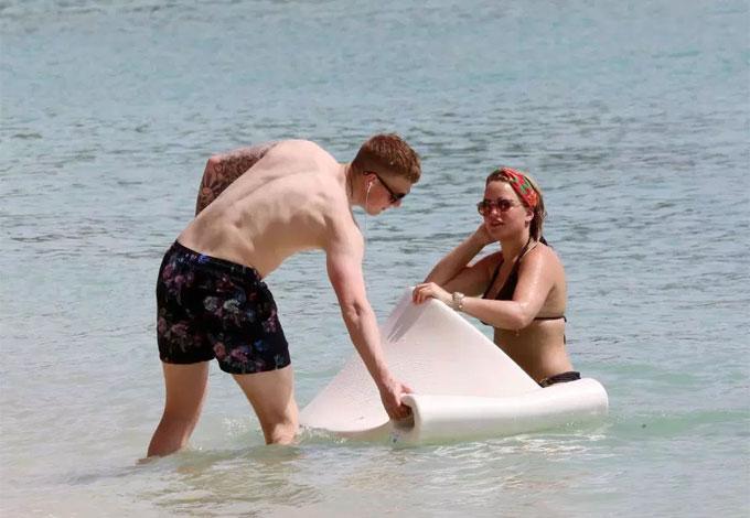 Trước World Cup 2018, Pickford và Megan Davison vừa đi nghỉ cùng nhau ở Barbados.