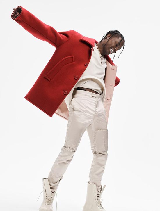 Travis Scott sinh năm 1992 tại Houston, Texas. Với niềm đam mê thể loại rap, Travis đã sáng tác và biểu diễn từ năm 16 tuổi. Tuy nhiên anh chỉ thực sự nổi tiếng từ năm 2012, sau khi ký hợp đồng với công ty GOOD Music của Kanye West. Đến nay, Travis đã phát hành 3 album nhạc rap và nhận được 3 đề cử Grammy.