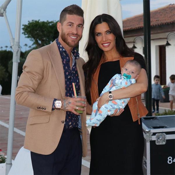 Pila Rubio lớn hơn Ramos 8 tuổi, là MC truyền hình nổi tiếng ở Tây Ban Nha. Trung vệReal và bạn gái có với nhau ba con trai. Cậu cảSergio sinh năm 2014, cậu haiMarco sinh năm 2015 và cậu útAlejandro chào đời tháng 3 vừa qua.