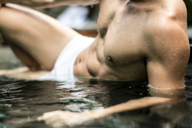 Nam vương TVB cởi tuốt khoe cơ bắp tráng kiện tuổi 37 - 2