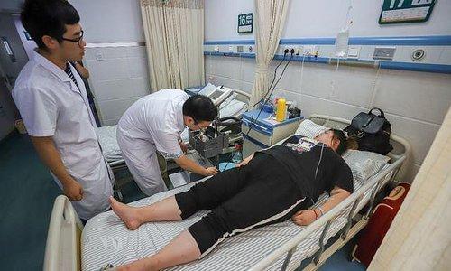Cô gái Trung Quốc nặng gần 100 kg sau 7 năm uống thuốc giảm cân