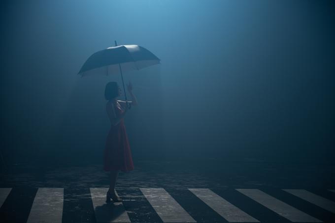 Tóc Tiên thể hiện một cô gái yêu cuồng nhiệt và sẵn sàng rơi nước mắt trong MV. Tôimuốn truyền tải thông điệp dù có những sóng gió trong tình cảm cũng đừng lãng quên những phút giây ngọt ngào. Để sau tất cả, chúng ta nhận ra phải biết trân trọng người trước mắt.