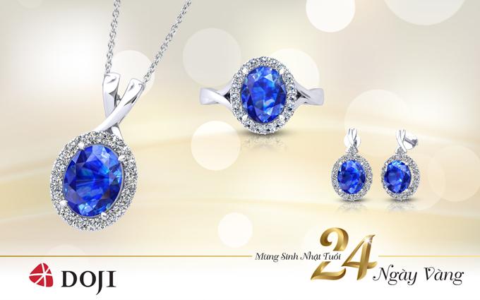Sắc xanh lung linh của trang sức đá Sapphire tự nhiên là một trong những màu sắc cơ bản, dễ dàng hài hòa với nhiều loại trang phục khác nhau, giúp quý cônổi bật và không bị đóng khung trong trang phục công sở.
