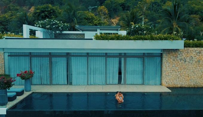 MV của Thảo Trang quay tại một resort đẹp ở Nha Trang.