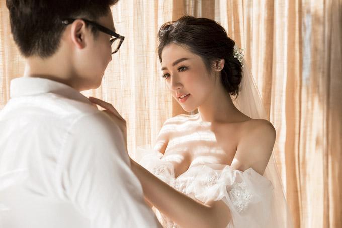 Ảnh cưới lãng mạn của Á hậu Tú Anh và hôn phu kém một tuổi - 11