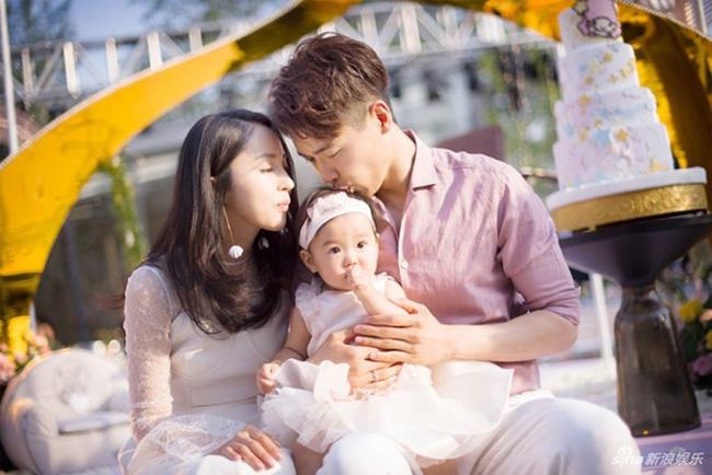 Vợ chồng Cao Vân Tường - Đổng Tuyền trong những tháng ngày hạnh phúc.