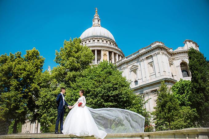 London là một thành phố đẹp và có nhiều phong cảnh lãng mạn. Ngày chụp hình, thời tiết khá nắng và nóng nhưng bù lại chúng tôi đã có được một bộ ảnh đẹp, bõ công sức đã bỏ ra, cô dâu chia sẻ.