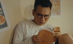 Khắc Việt hát sáng tác của em trai Khắc Hưng