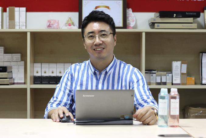 Ông Paul Yeoir - đại diện thương hiệu MaxClinic tại Việt Nam.