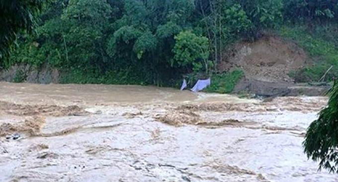 Khu vực miền núi tỉnh Thanh Hoá đang xuất hiện lũ nhiều nơi.
