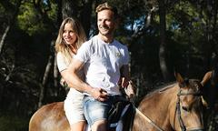 Rakitic xả hơi bên vợ sau World Cup 2018