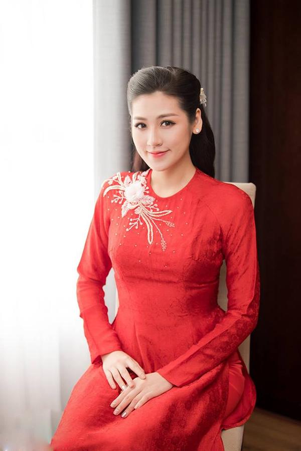 Tú Anh sinh năm 1993, đoạt ngôi vị Á hậu 1 của Hoa hậu Việt Nam 2012 khi đang là sinh viên Học viện Báo chí và Tuyên truyền. Trong 6 năm hoạt động showbiz, cô được khán giả dành nhiều thiện cảm với nhan sắc đài các, hình ảnh sang trọng và không vướng scandal.