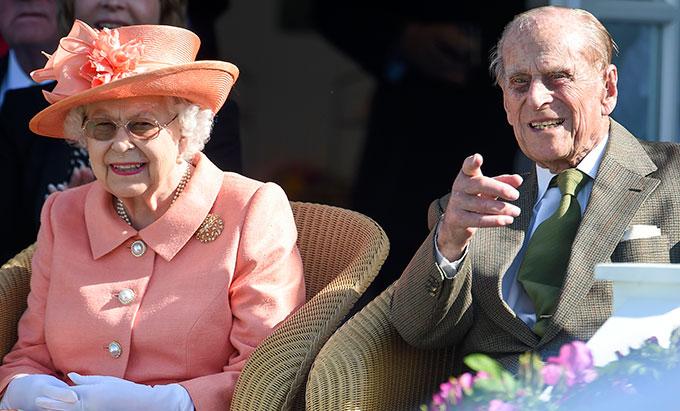 Nữ hoàng Anh và chồng cùng đi xem thi đấu polo trong giảiRoyal Windsor Cup hôm 25/6. Ảnh: Antony Jones.