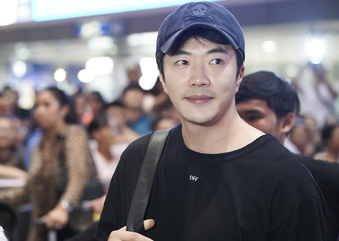 Ở tuổi ngoại tứ tuần, Kwon Sang Woo hiện có cuộc sống bình yên, viên mãn bên vợ hoa hậu và hai con.