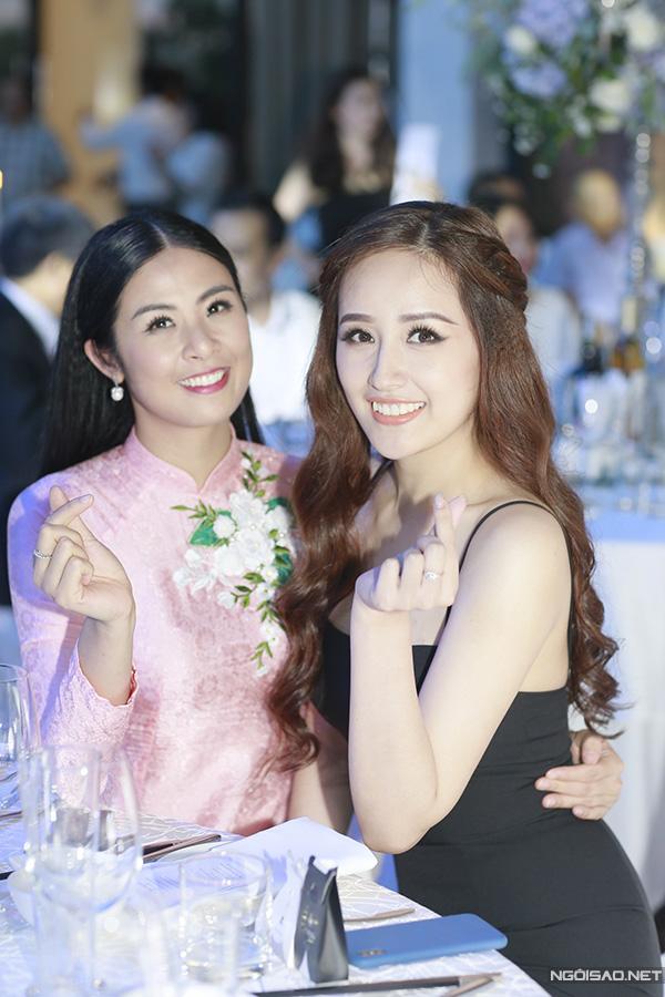 Hoa hậu Ngọc Hân hội ngộ Hoa hậu Mai Phương Thúy tại tiệc cưới.