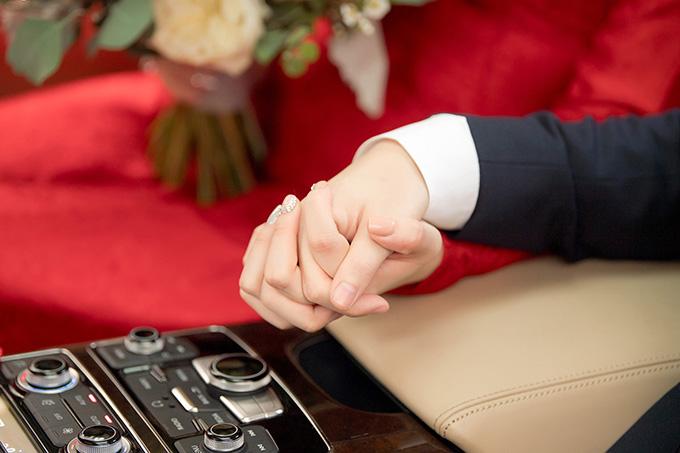 Sau khi lập gia đình, người đẹp sẽ dần hạn chế các hoạt động showbiz để vun vén cho tổ ấm riêng.
