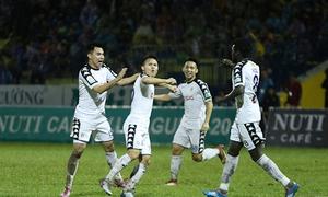 Quang Hải, Văn Quyết toả sáng, Hà Nội thắng ngược Thanh Hoá