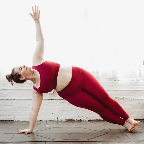 Huấn luyện viên yoga ngoại cỡ thay đổi định nghĩa về chuẩn đẹp - 2