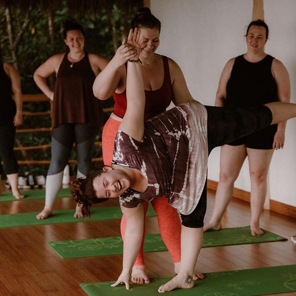 Huấn luyện viên yoga ngoại cỡ thay đổi định nghĩa về chuẩn đẹp - 5