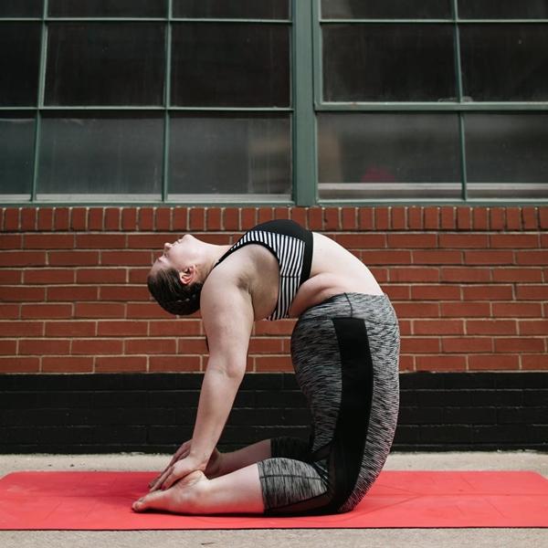 Huấn luyện viên yoga ngoại cỡ thay đổi định nghĩa về chuẩn đẹp - 6